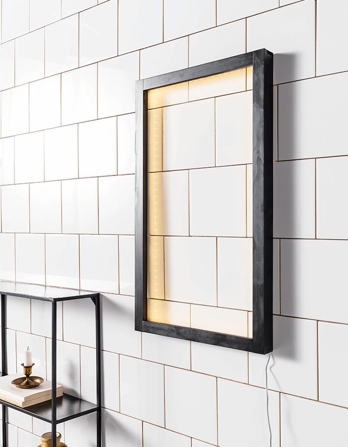 Frame lamp.