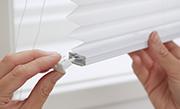 /advies/raamdecoratie/plisse-gordijnen-ophangen