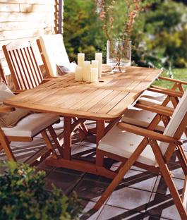 houten tuinmeubelen onderhouden doe je zo karwei